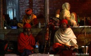 Pilgrims and Sadhus in front of Pashupatinath