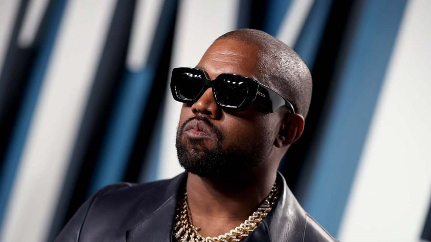 Kanye West poster alle Universal Music-kontraktene sine