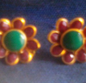 Red & Green Pachi Stud