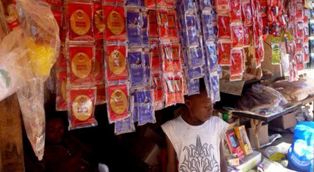 Whisky en sachet : la désobéissance légale au Cameroun_04-08-21