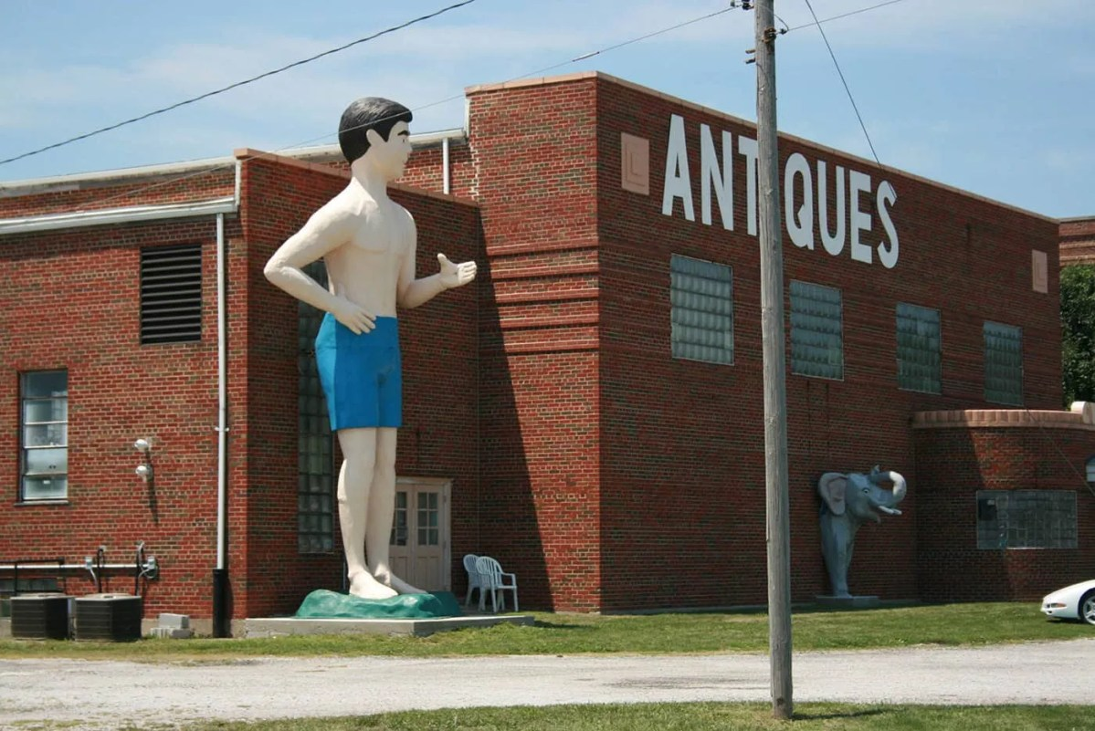 Giant Beach Guy and Elephants roadside attractions in Livingston, Illinois