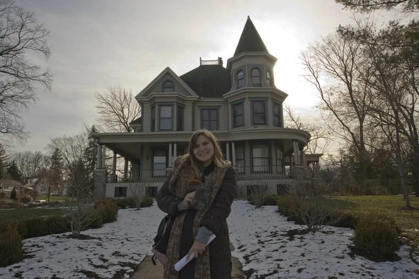 Cherry Street Inn - Groundhog Day Movie Filming Locations in Woodstock, Illinois