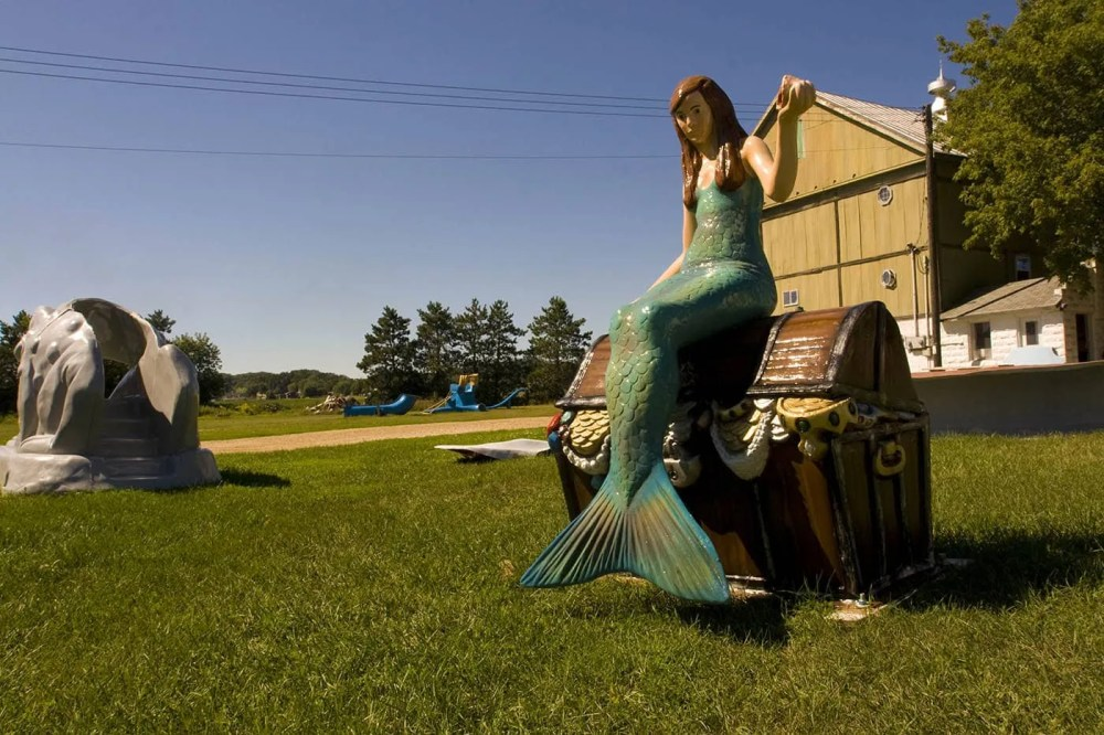 Fiberglass Mermaid - F.A.S.T. - Fiberglass Animals, Shapes & Trademarks in Sparta, Wisconsin
