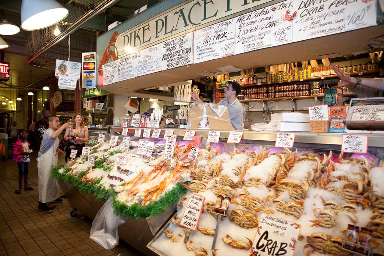 Pike place fish market in seattle washington silly america for Pike place fish
