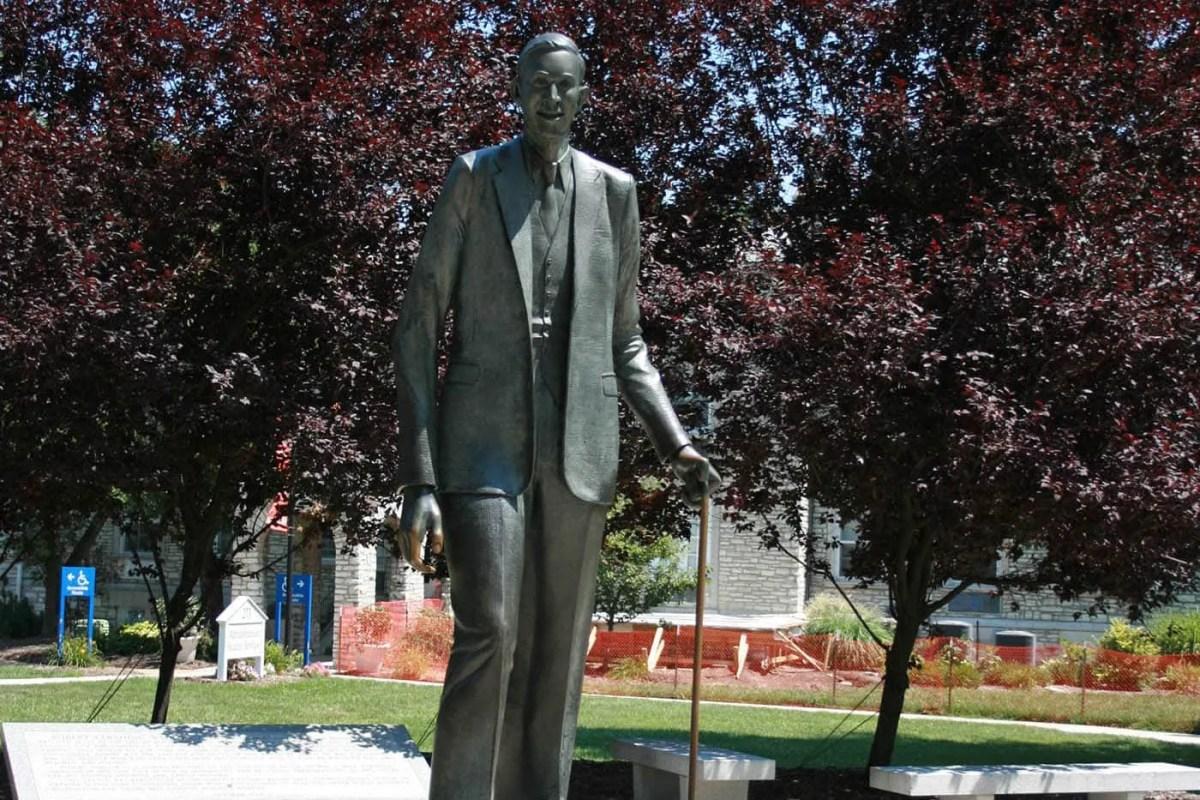 Statue of Robert Wadlow, the World's Tallest Man, in Alton, Illinois