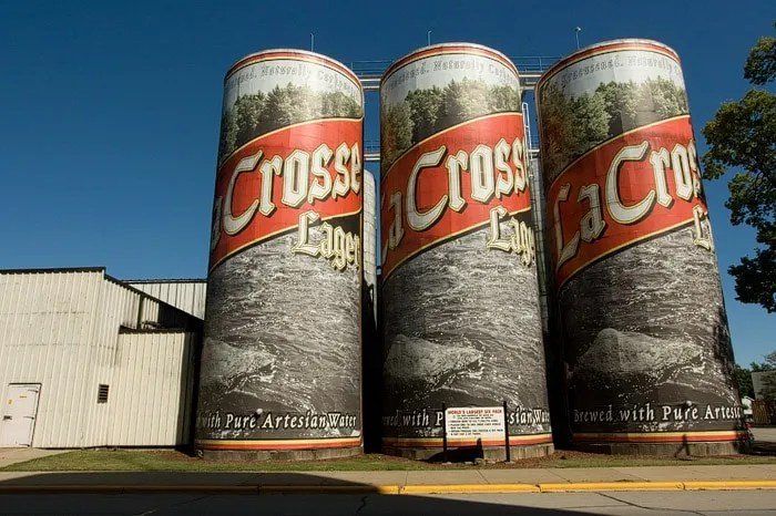 🍺 'World's Largest Six-Pack of Beer in La Crosse, Wisconsin