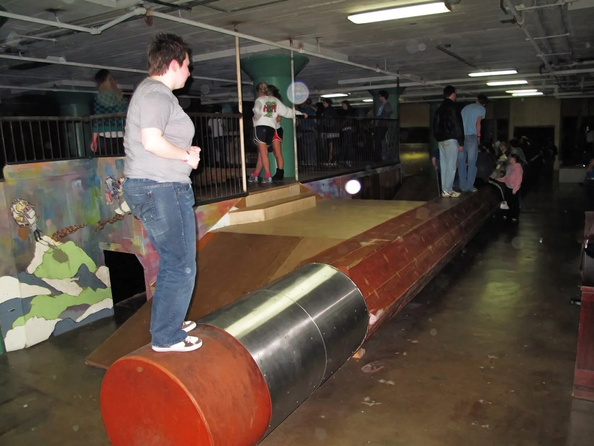 📝 World's Largest Pencil at the City Museum in St. Louis