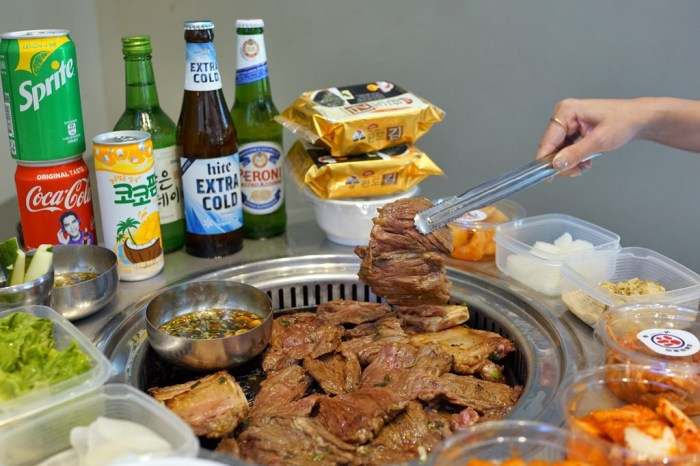 台北信義區│新村站著吃烤肉台灣一號店。正宗韓國鐵桶烤肉,站著吃最對味!