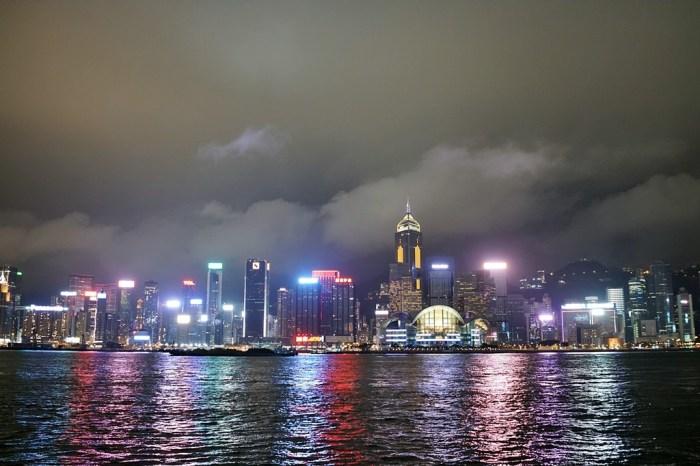 香港自由行│維多利亞港幻彩詠香江‧可遇不可求的富豪雪糕車【尖沙咀站】