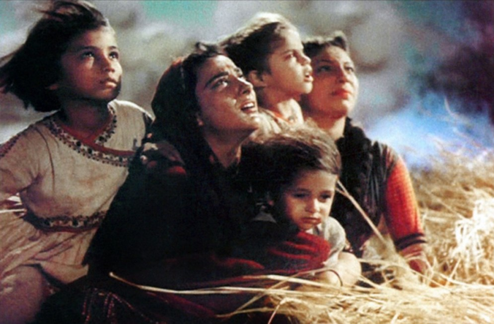 Morther India scene