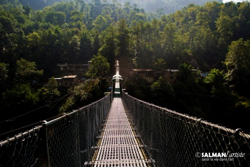 200 m Suspension bridge, up and close
