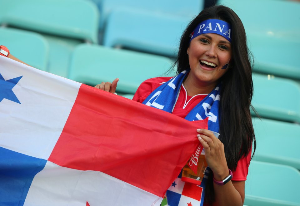 Images, Pictures and Photos of Beautiful, Sexy and Hot Panama girls - Panama Female Fans In World Cup 2018