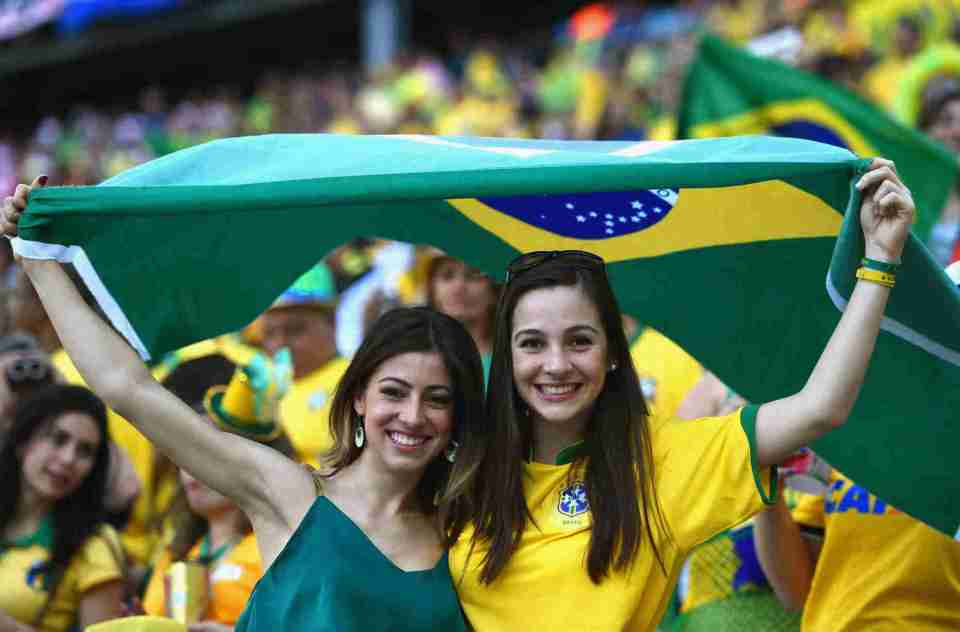 World Cup teams with the sexiest female football fans Brazilian sexy football fans