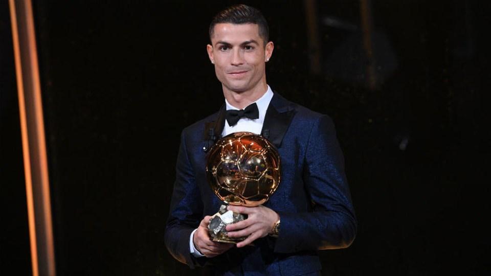 Ballon d'Or Award Winner 2017 - Cristiano Ronaldo Wins 2017 Ballon d'Or Award