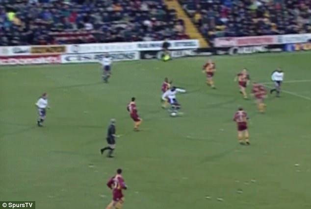 Fastest Premier League goal - Ledley King-Bradford 3-3 Tottenham - 2000-12-9