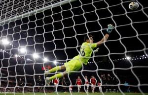 Unai Emery hails Pepe