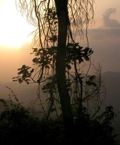 Puesta de sol en la Sierra Maestra, el 13 de Agosto de 2006, Santiago de Cuba, Cuba. Foto: Calixto N. Llanes/Juventud Rebelde (CUBA)