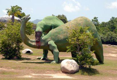 En el Valle de la Prehistoria se ven representados figuras de ferrocemento de animales extintos hace unos 65 millones de años, 12 Agosto de 2006 Santiago de Cuba, Cuba. Foto: Calixto N. Llanes/Juventud Rebelde (CUBA)