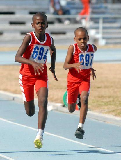 Niños corren 60 metros planos en el Estadio Panamericano, el 19 de Marzo de 2011, La Habana, Cuba. Foto: Calixto N. Llanes/Juventud Rebelde (CUBA)