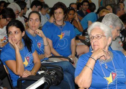 Familiares de los Cinco debatieron con los jóvenes durante el III Encuentro Juvenil de Solidaridad, el 12 de Junio de 2011, La Habana, Cuba. Foto: Calixto N. Llanes/Juventud Rebelde (CUBA)