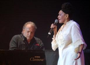 Omara Portuondo y Frank Fernández durante la Serenata de la Fidelidad, el 12 de Agosto de 2011, La Habana, Cuba. Foto: Calixto N. Llanes/Juventud Rebelde (CUBA)