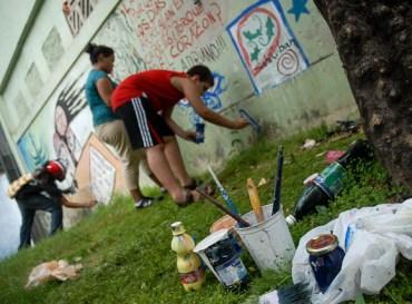 €œArtistas por el Barrio, proyecto creativo comunitario, como parte de la Oncena Bienal de La Habana, el jueves 10 de Mayo de 2012, La Habana, Cuba. Foto: Calixto N. Llanes (CUBA)
