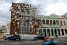€œF逝, obra del artista cubano Adonis Flores, que forma parte del proyecto Detrás del Muro, el jueves 29 de Mayo de 2012, La Habana, Cuba. Foto: Calixto N. Llanes (CUBA)