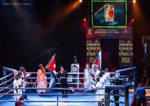 Presentacion de los atletas de Cuba y Rusia para el duelo de la IV Serie Mundial de Boxeo (WSB), que tuvo lugar en el Coliseo de la Ciudad Deportiva, el viernes 6 de Diciembre de 2013, La Habana. FOTO: Calixto N. Llanes (CUBA)