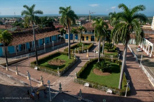 Vista panorámica de la Plaza Mayor de Trinidad. FOTO de Calixto N. Llanes (CUBA)
