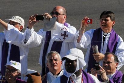 Religiosos durante la Santa Misa que ofició el El Papa Benedicto XVI en la Plaza de la Revolución José Martí el 28 de marzo de 2012, La Habana, Cuba. FOTO de Calixto N. Llanes/Juventud Rebelde (CUBA)