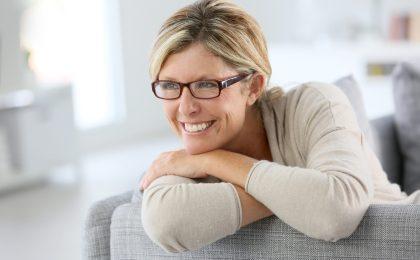 Jede Frau ist anders - mit über die Haut verabreichten Östrogenen lässt sich bei einer Hormonbehandlung die Dosis individuell einstellen.