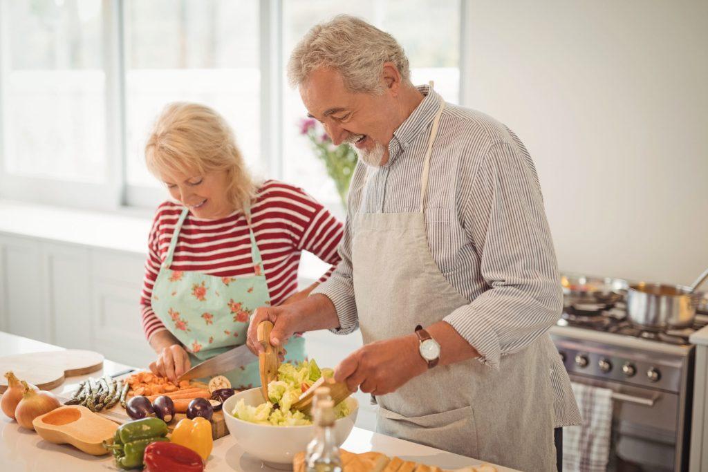 Eine langfristige Ernährungsumstellung ist der Schlüssel zu einer erfolgreichen Gewichtsreduktion.