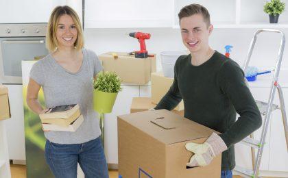 Mit dem ersten Job und der ersten eigenen Wohnung kommen viele Aufgaben auf die jungen Menschen zu.