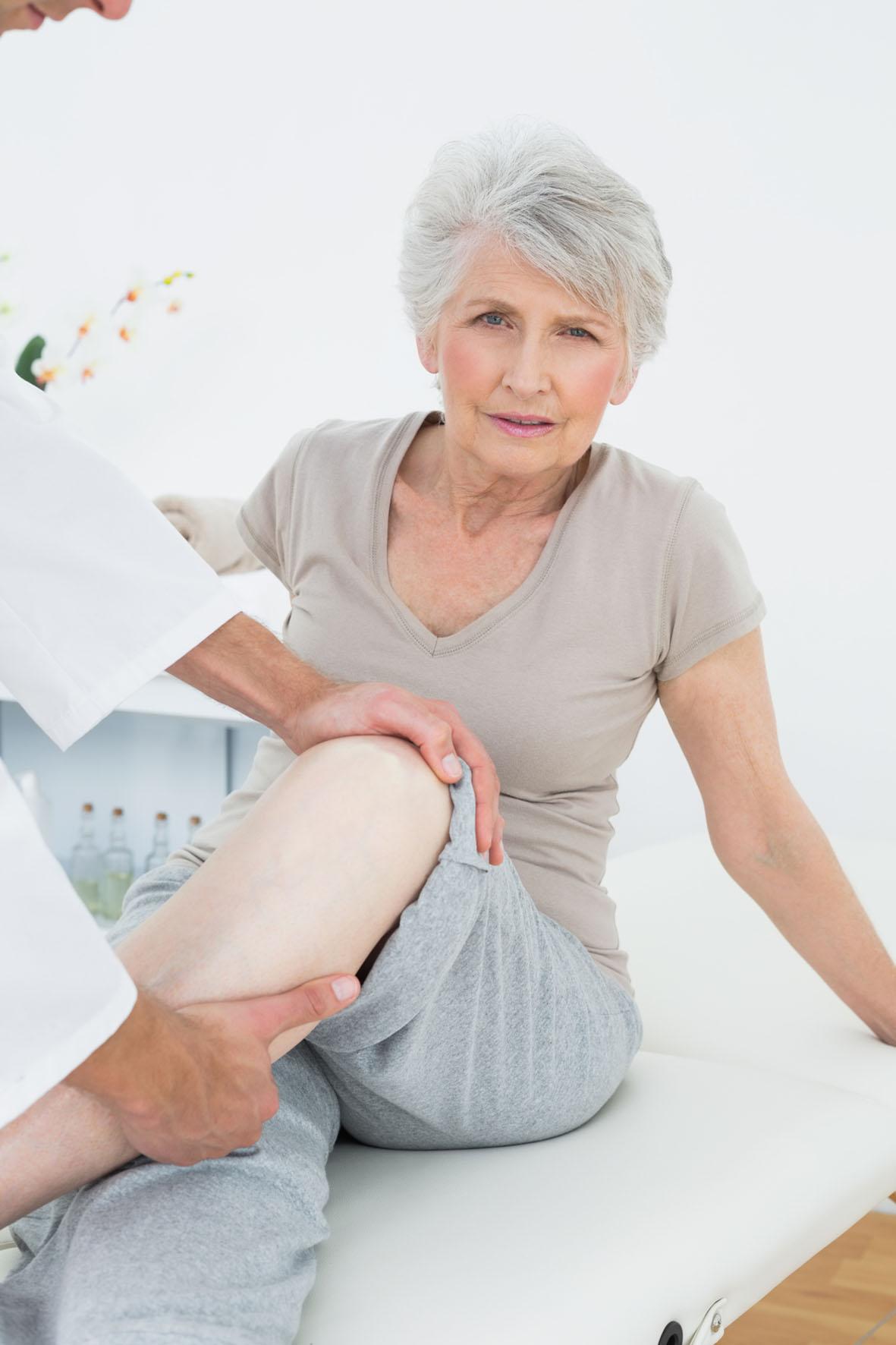 Schonung tut nicht gut. Schmerzende Gelenke müssen bewegt werden.