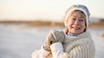 Winterliche Kälte verengt die Gefäße und lässt den Blutdruck steigen. Damit erhöht sich auch die Schlaganfallgefahr.