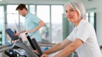 Regelmäßige Bewegung, eine bewusste Ernährung und ausgeglichene Hormonspiegel tragen viel zur Frauengesundheit bei.