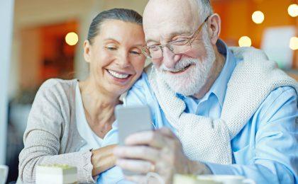 Zur Verbesserung der Therapietreue gibt es für chronisch Kranke inzwischen digitale Helfer. Sie machen die Medikation einfach und sicher.
