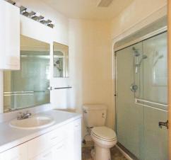 W302 bathroom