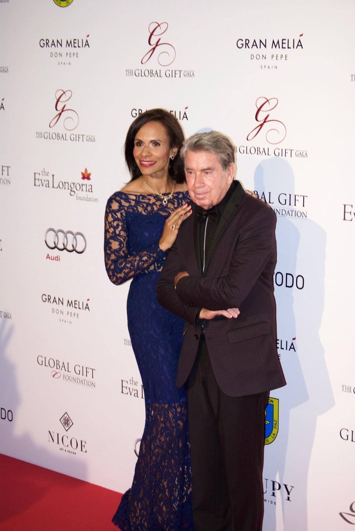 Santana y su mujer