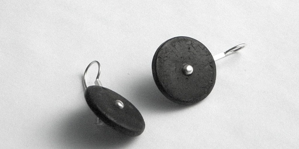 756 - Round Cocnut Earrings