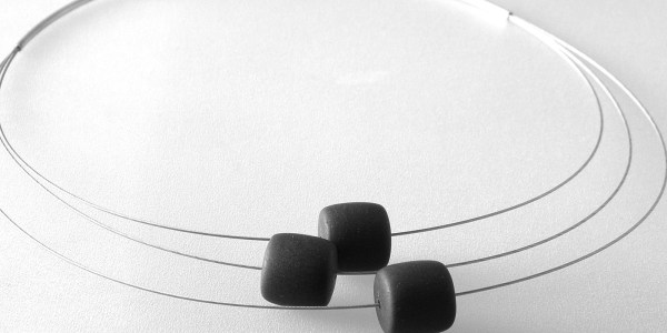 852 - Jade Tire Necklace