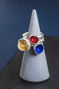 Silverkupe Jewellery 3 seed rings, gold, red, blue