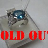 London Blue Topaz 4.95 ct pada Cincin Perak Lapis Emas Putih