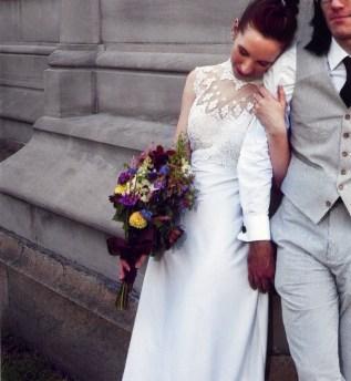 dark bridal bouquet
