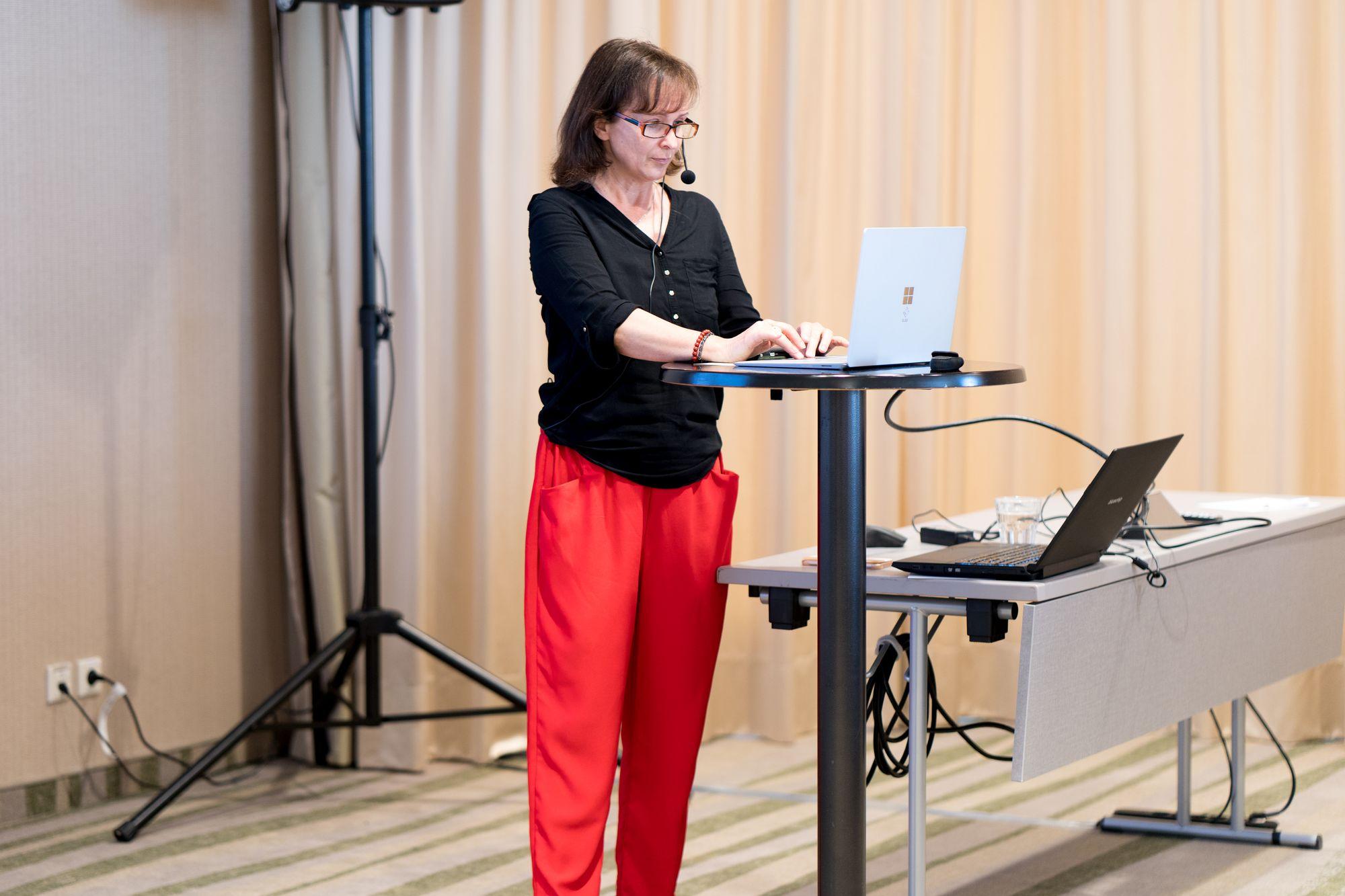 Monika Pavona als Sprecher auf dem Builderall Everest 2019 in Nürnberg (Germany)