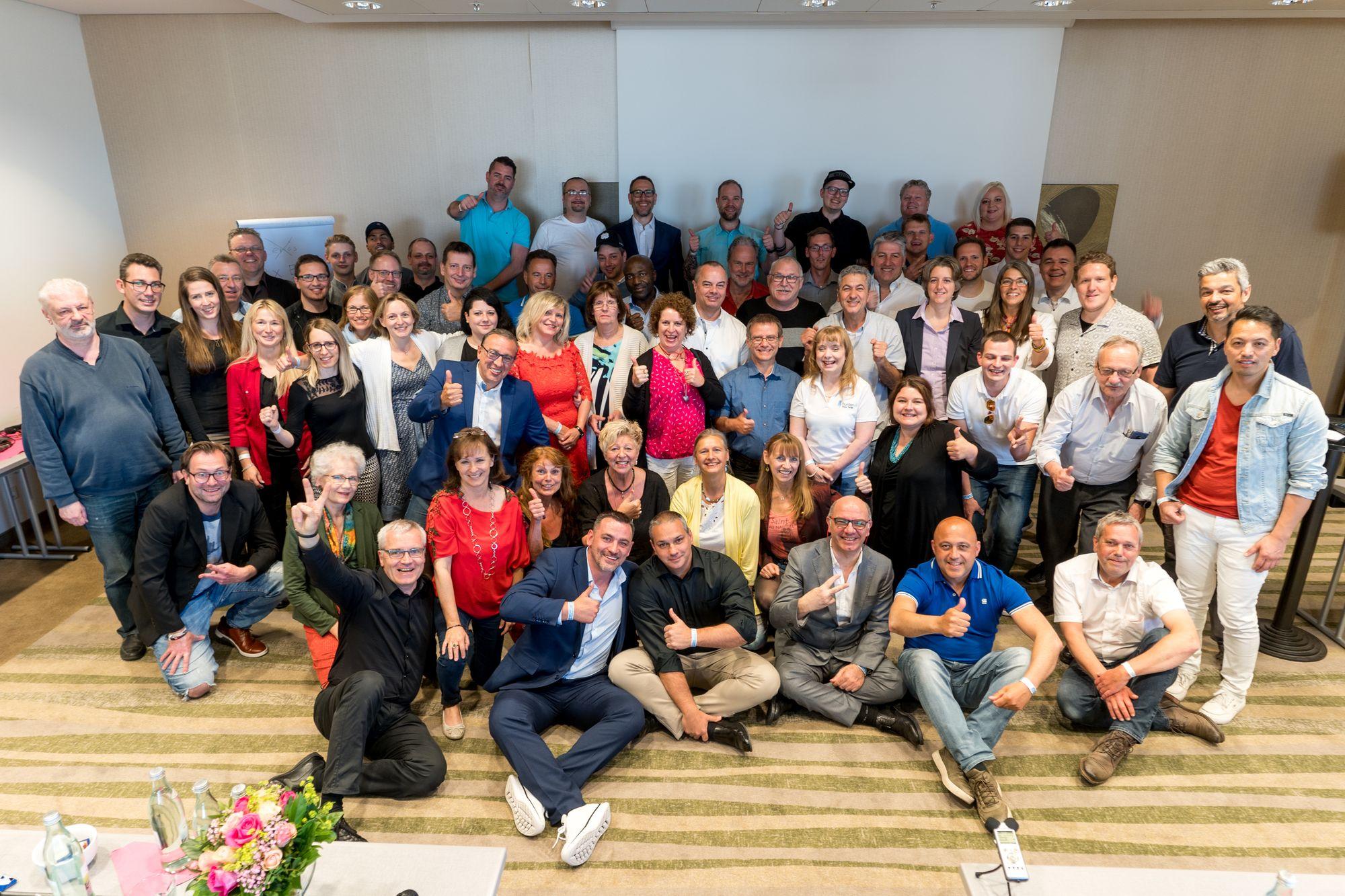 Gruppenbild der Teilnehmer und Sprecher auf dem Builderall Everest 2019 in Nürnberg (Germany)