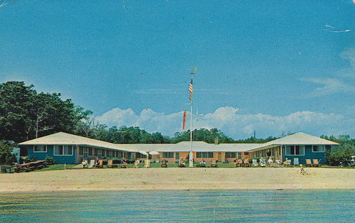 Silver Sands Motel And Beach Cottages On The North Fork Of