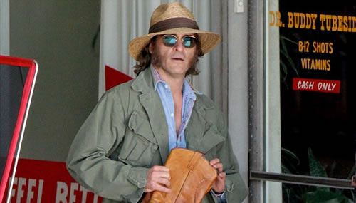 inherent-vice-joaquin-phoenix-set-2.jpg