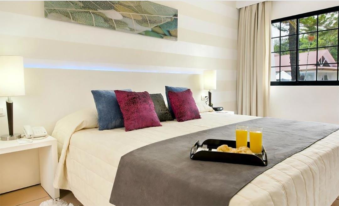 Bluebay Villas Doradas Bedroom