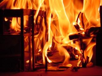 incendio en el edificio 04 by donrenexito (cc) (from Flickr)